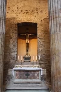 ROMA PANTEON İÇİ ÇARMIHTA İSA
