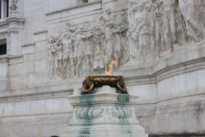 ROMA SÖNMEYEN ATEŞ