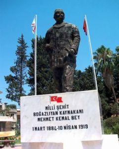KemalBey-Denkmal-1