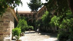 manastır içi