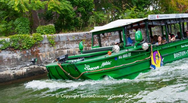 800-duck-boat-splashdown-20x11