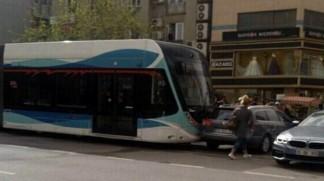 konak-tramvayi-nda-bir-kaza-daha-978809